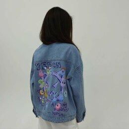 Куртки - Джинсовая куртка с аппликацией на спине, 0