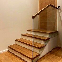 Лестницы и элементы лестниц - Самонесущие стеклянные ограждения, 0