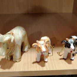 Статуэтки и фигурки - Сувенир «слон», 10 см, оникс и 2 фарфоровые коровки , 0