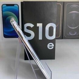 Мобильные телефоны - Смартфон Samsung S10e 128 Gb, 0