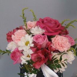 Цветы, букеты, композиции - Композиция в шляпной коробке Прелесть, 0