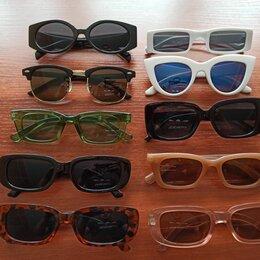 Очки и аксессуары - Много солнечных очков, 0