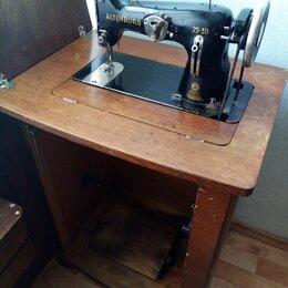 Швейные машины - Швейная машина в тумбе ножная пмз, 0