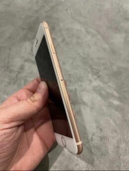 Мобильные телефоны - IPhone 8 Gold 64GB, 0