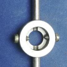Плашки и метчики - Плашкодержатель d - 25 мм, 0