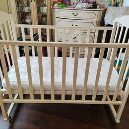 Кроватки - Детская кроватка  кремового цвета б/у, 0