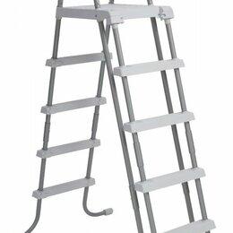 Лестницы и поручни - 28077 Лестница для бассейнов до 132см, 4 ступеньки, с площадкой, с защитой, 0