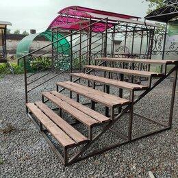 Лестницы и элементы лестниц - Уличная лестница на крыльцо из металла с площадкой, 0
