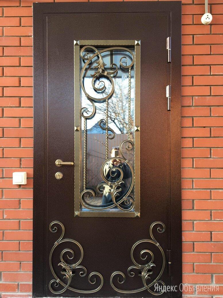 Дверь входная IV ВЕНЗЕЛЯ стальная остеклённая кованная в дом по цене 48000₽ - Входные двери, фото 0
