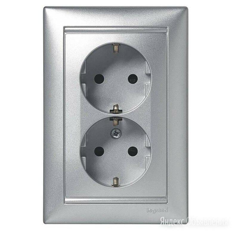 Розетка 2x2К+З Legrand Valena 16A 250V с/з винтовой зажим алюминий 770100 по цене 930₽ - Электрические щиты и комплектующие, фото 0