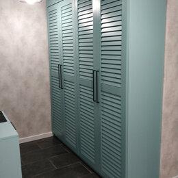 Шкафы, стенки, гарнитуры - Встроенный шкаф с жалюзийными дверцами, 0