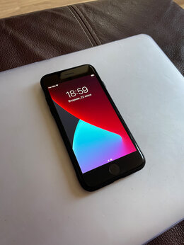 Мобильные телефоны - iPhone SE 2020, 0