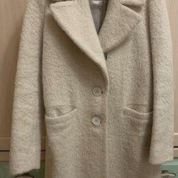 Пальто - Пальто женское Massimo Dutti. Шерсть. Цвет молочный., 0