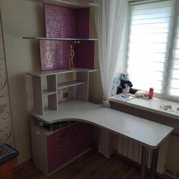 Компьютерные и письменные столы - Угловой стол с полками , 0