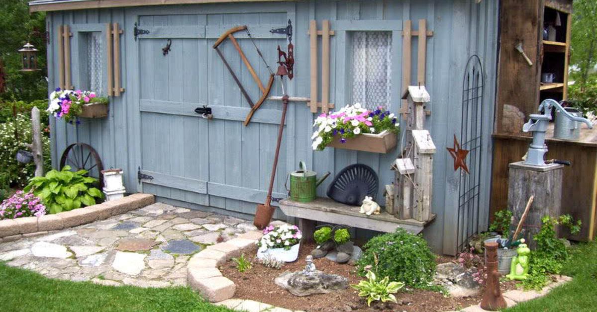 как покрасить постройки во дворе с фото сша очень