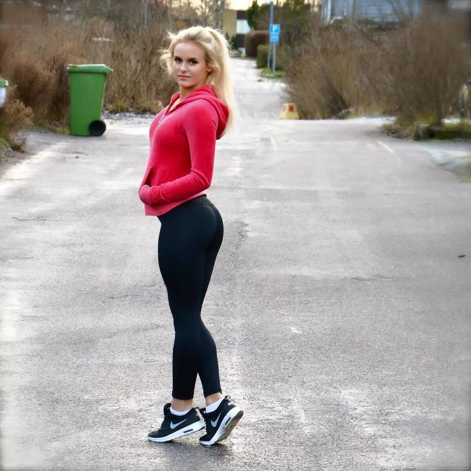 Anna Nystrom Hd Images Wallpapers Pictures And Backgrounds Card