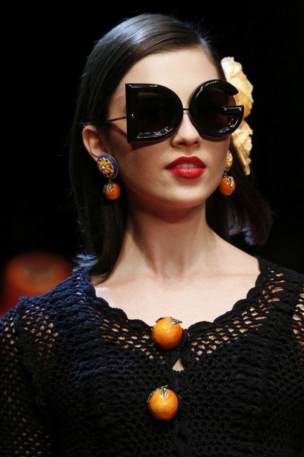 be5d81d38f83 Узнайте, какие женские солнцезащитные очки будут модными в сезоне 2018-2019   Модные солнцезащитные
