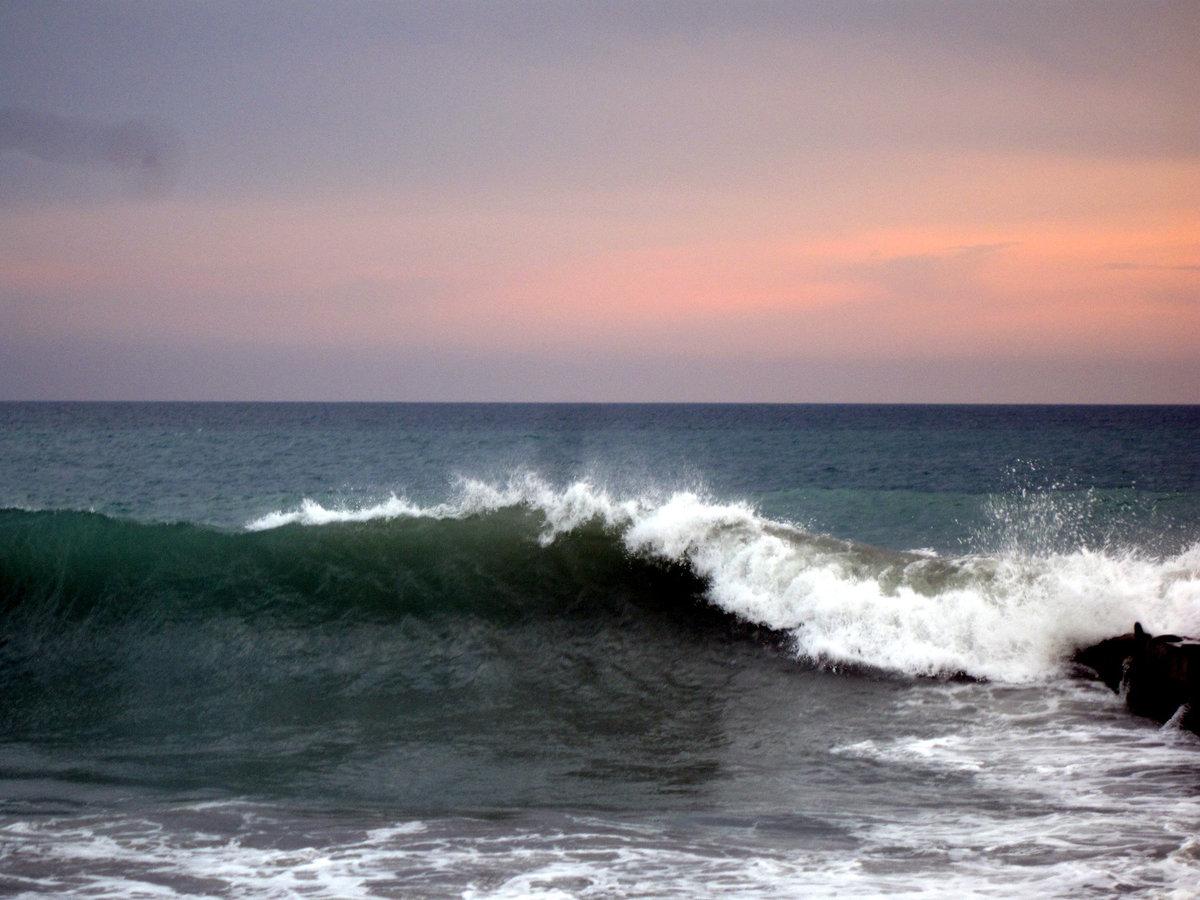 запросу картинка волнующегося моря знаменитостей любые