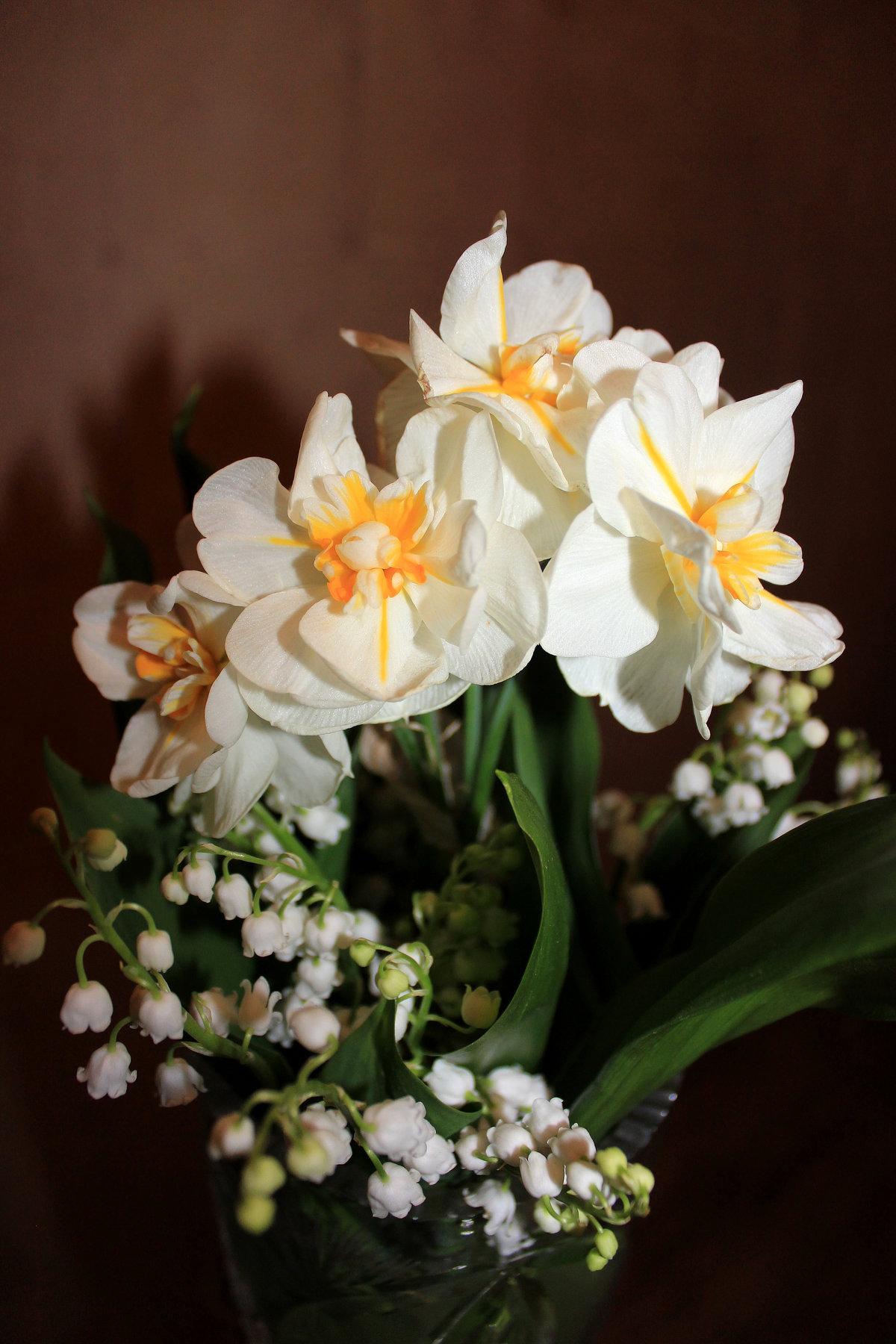 картинка цветы ландыши нарциссы лилии можно заказать сайдинг
