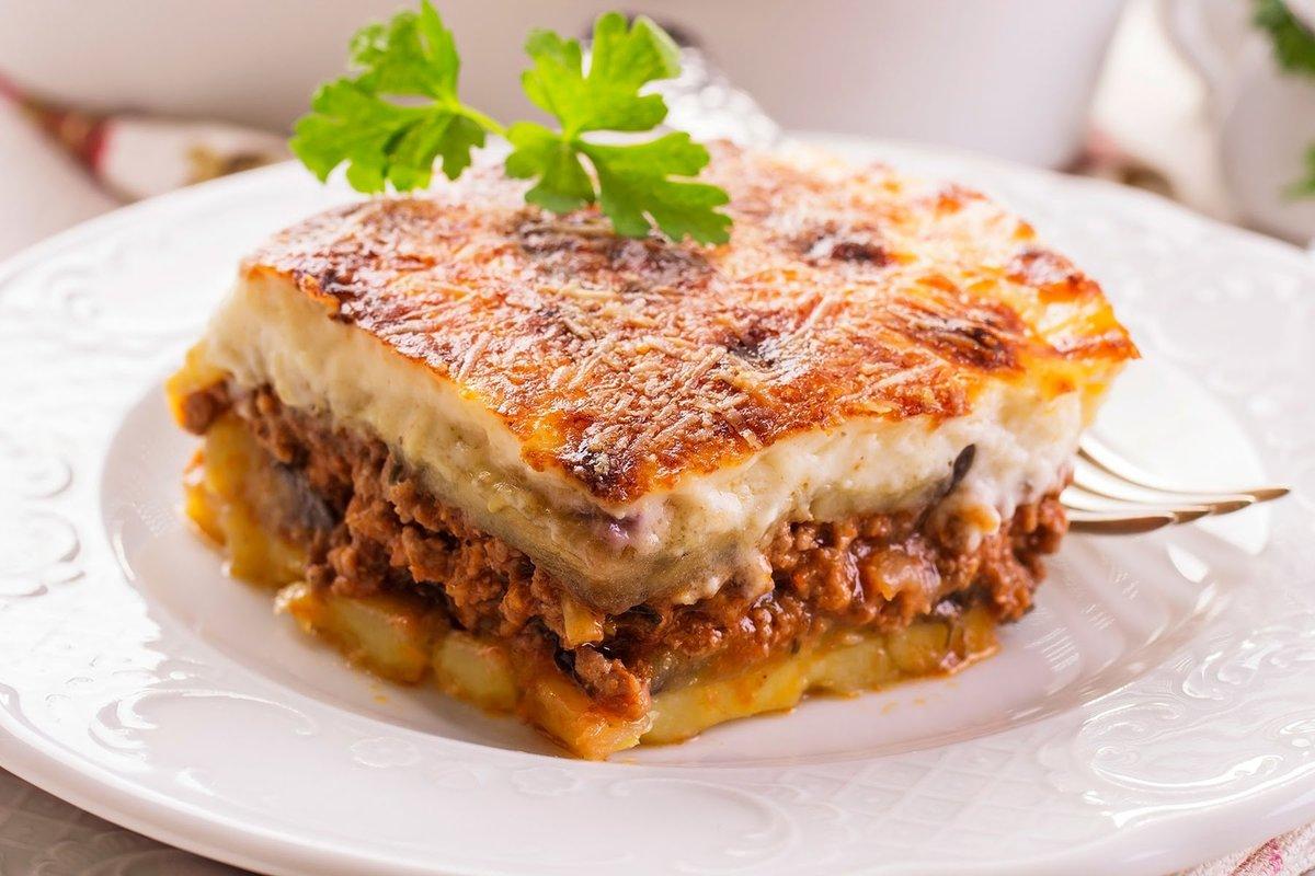 Рецепт этот очень удобен и экономичен не только из-за невысокой стоимости продуктов, но и оттого, что оставшуюся со вчерашнего обеда «пюрешку» легко.