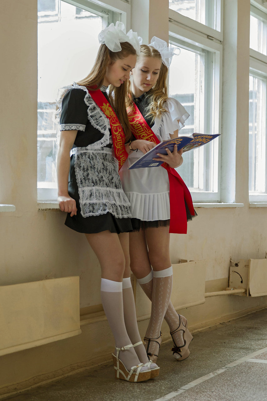 the-sexy-russian-schoolgirl-stars-butt-plug