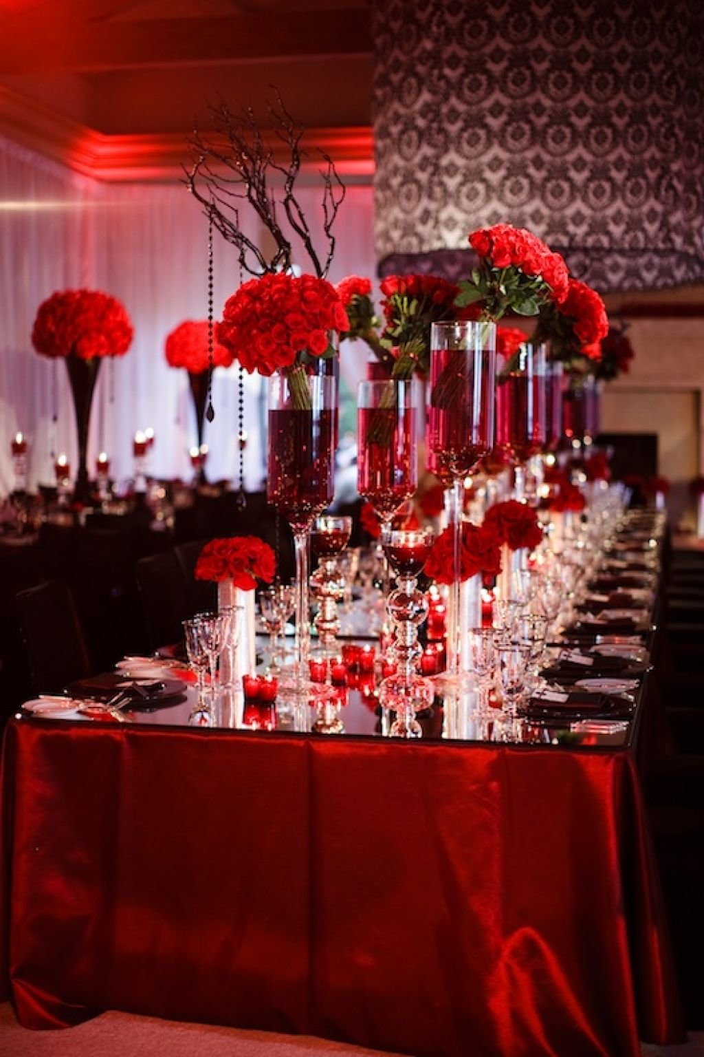 Red White And Black Wedding Table Decorating Ideas Wedding In 17