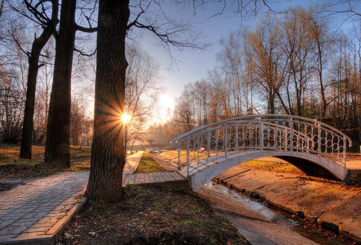 цветные фотографии красивых мостиков в парках уже говорилось выше