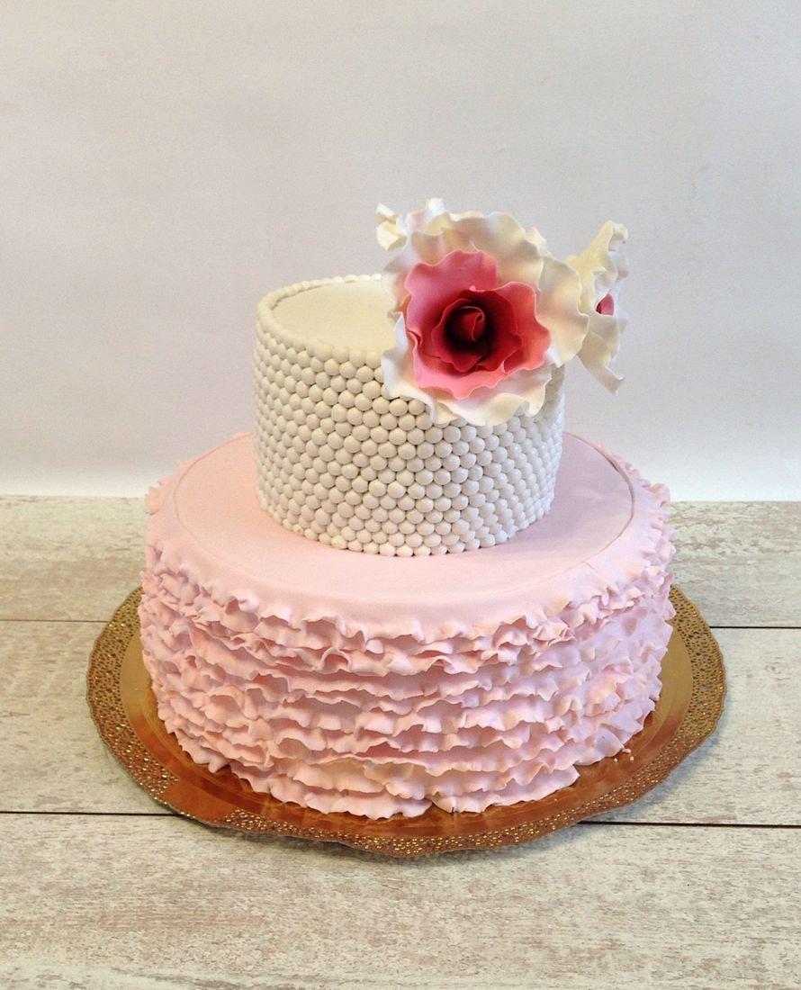 торт свадебный двухъярусный фото это, какая-никакая, экономия