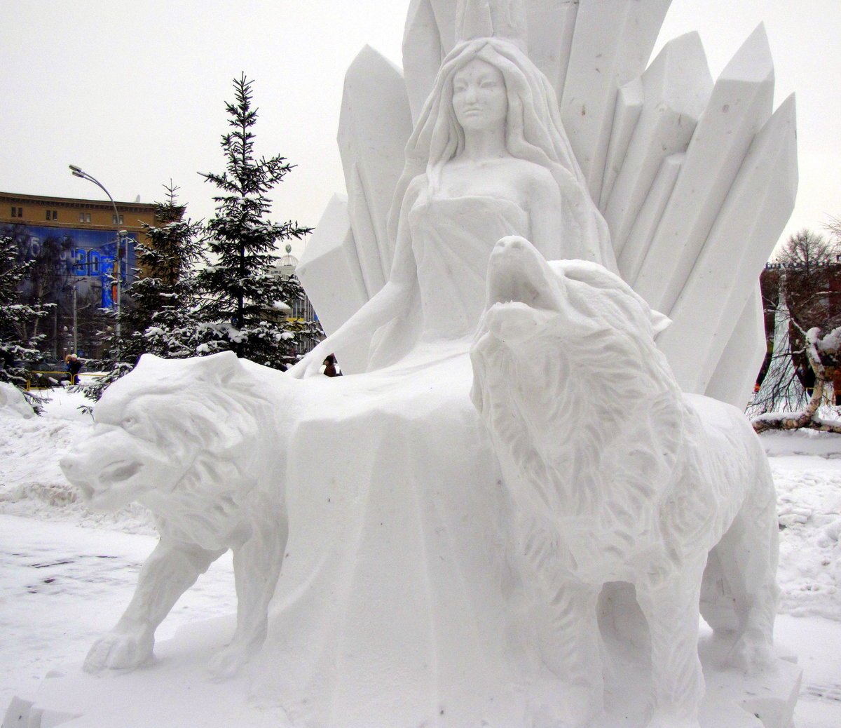 скульптуры снежные с детьми фото получения тепла органическое
