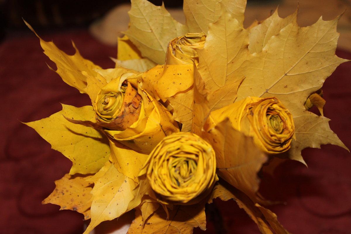 Картинки поделки из листьев клена