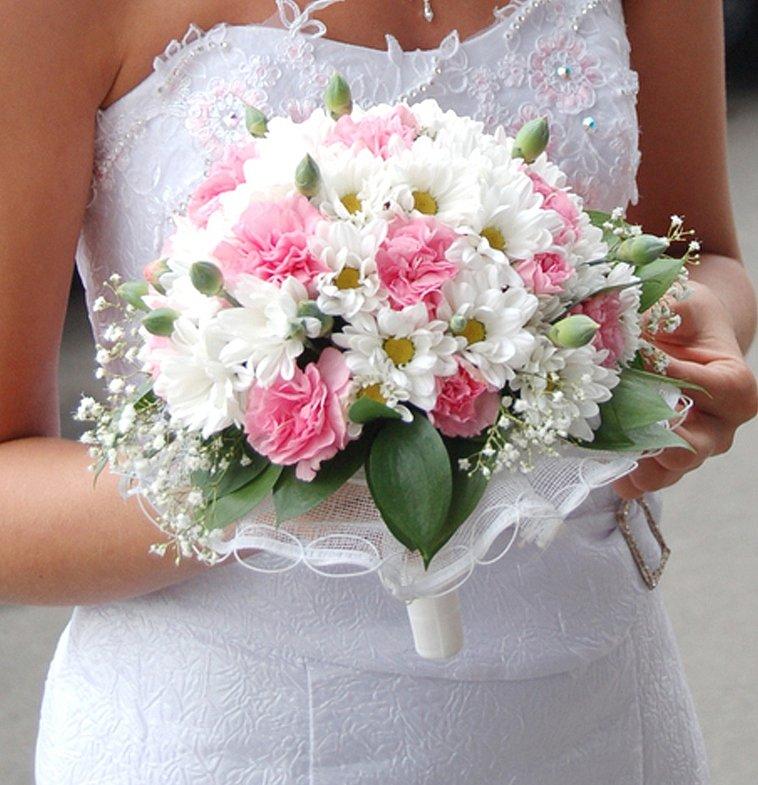 Доставка, букет невесты на свадьбу из хризантем фото