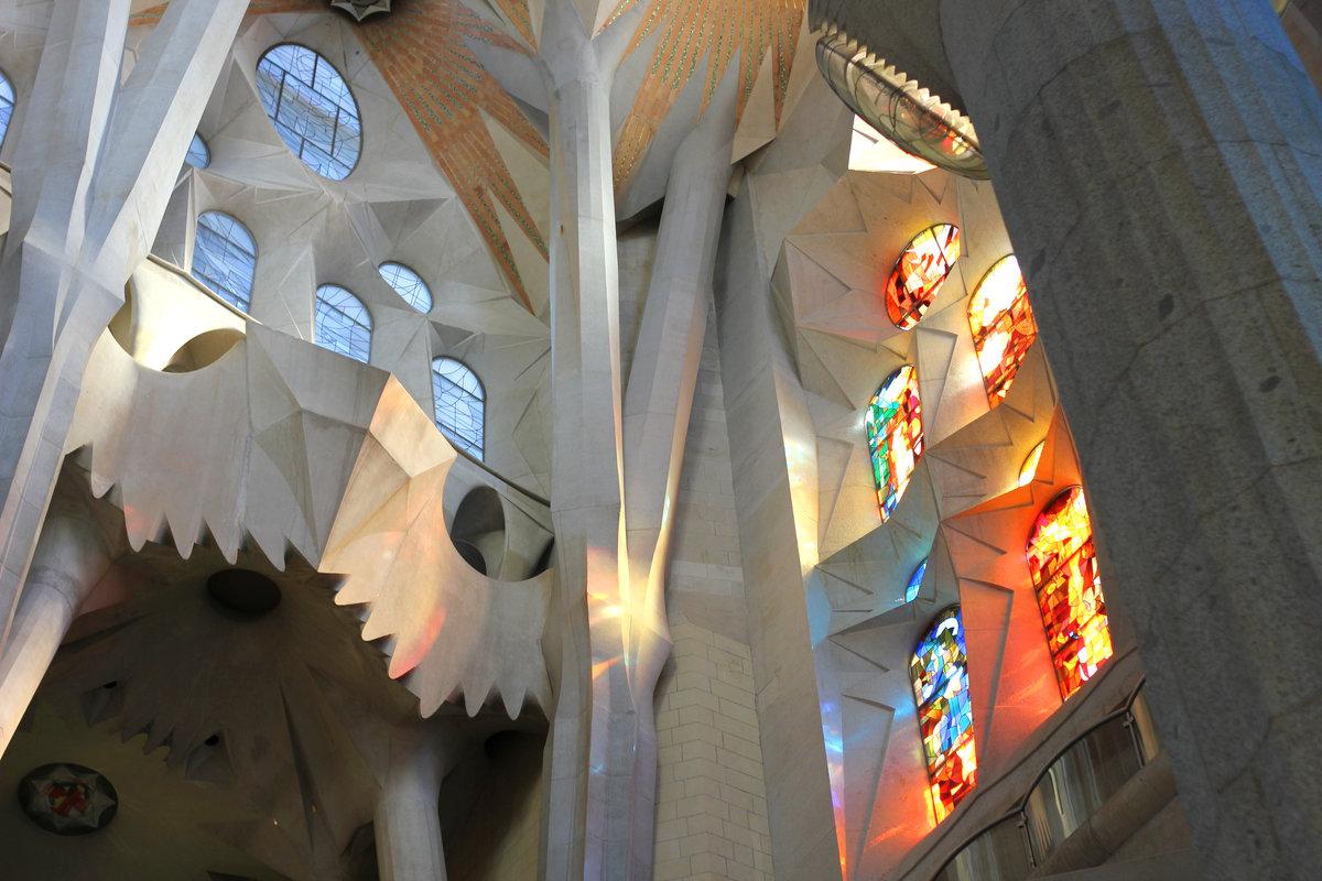 Искупительный храм Святого Семейства (Temple Expiatori de la Sagrada Família) #барселона #гауди