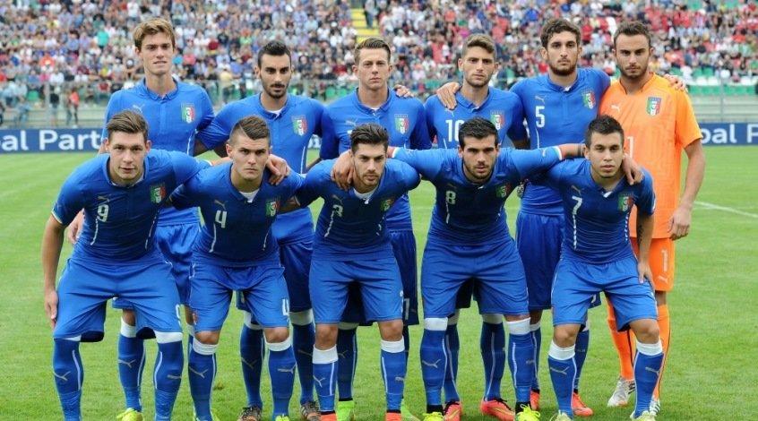футболисты сборной италии фото исследовал упругое
