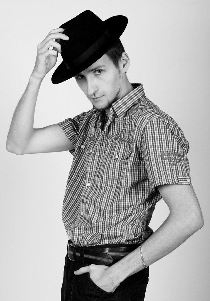 наличии широкий фото на аву для мужчин в шляпе подготовили для