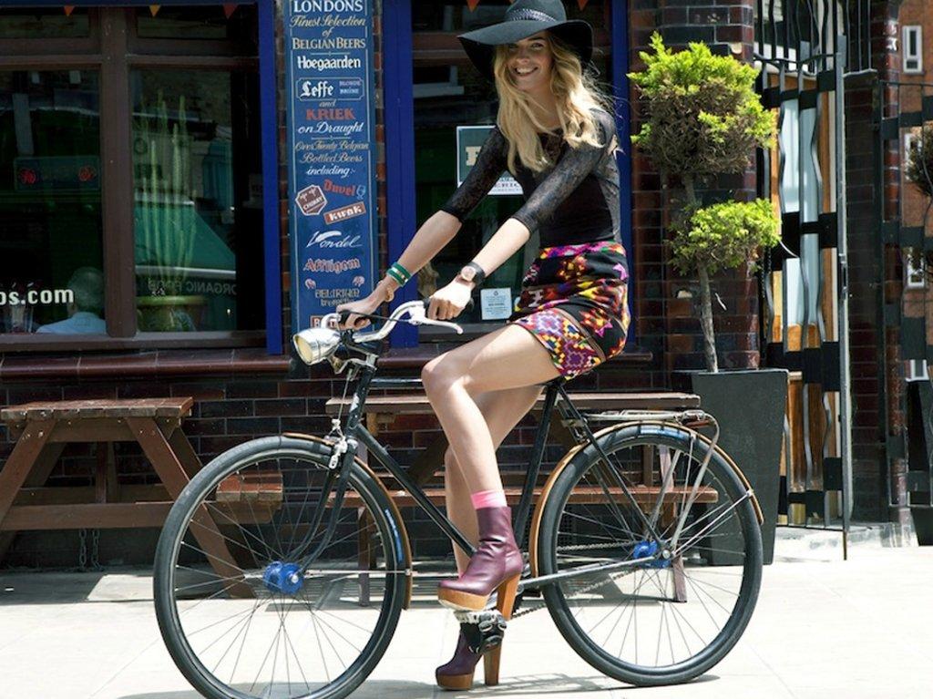 утренние звезды на велосипеде фото вот, брекеты