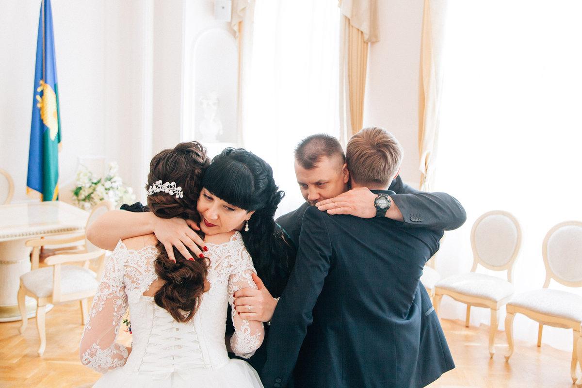 профессиональные свадебные фотографии в загсе химера