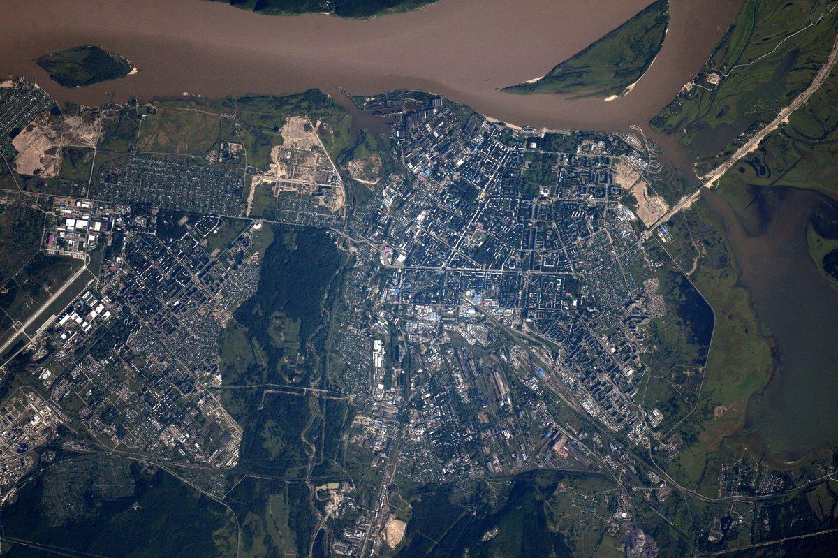 смотреть фото город оренбург вид из космоса площади почившей