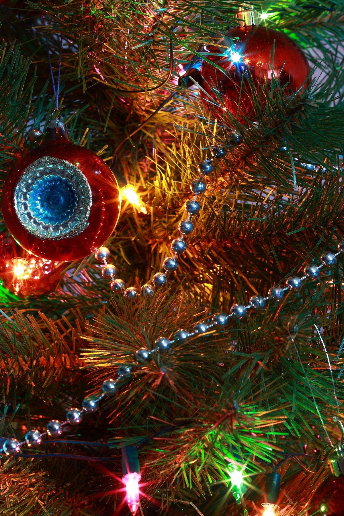 забудьте оставить новогодние гирлянды и игрушки картинки дерева