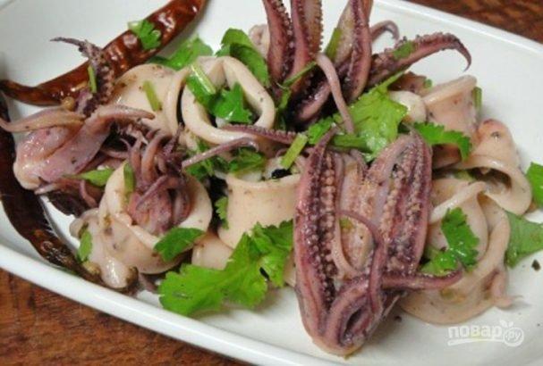 Как приготовить маринованные кальмары по-гречески.