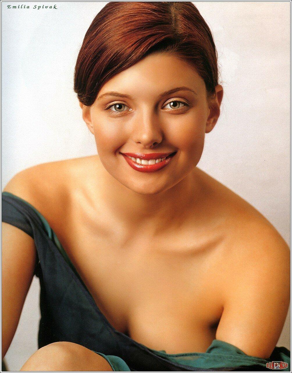 video-golie-aktrisi-rossiya