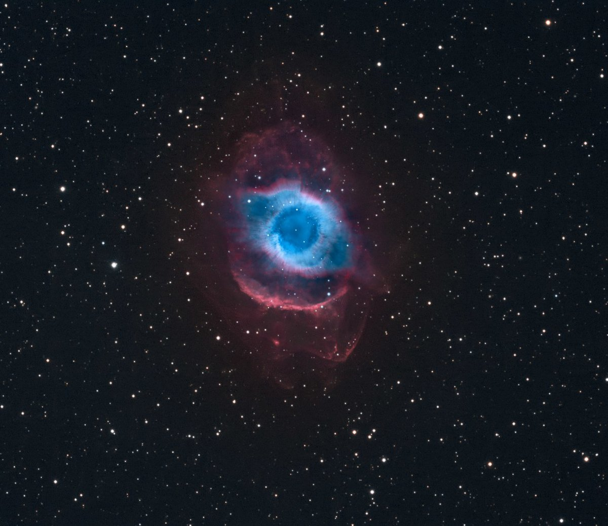 helix nebula distance from earth - 990×856