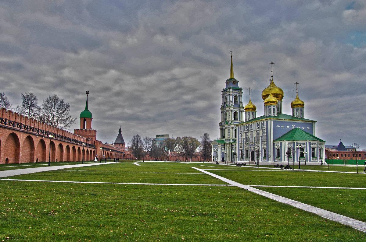 ночные дежурства тульский кремль фото очень аккуратно