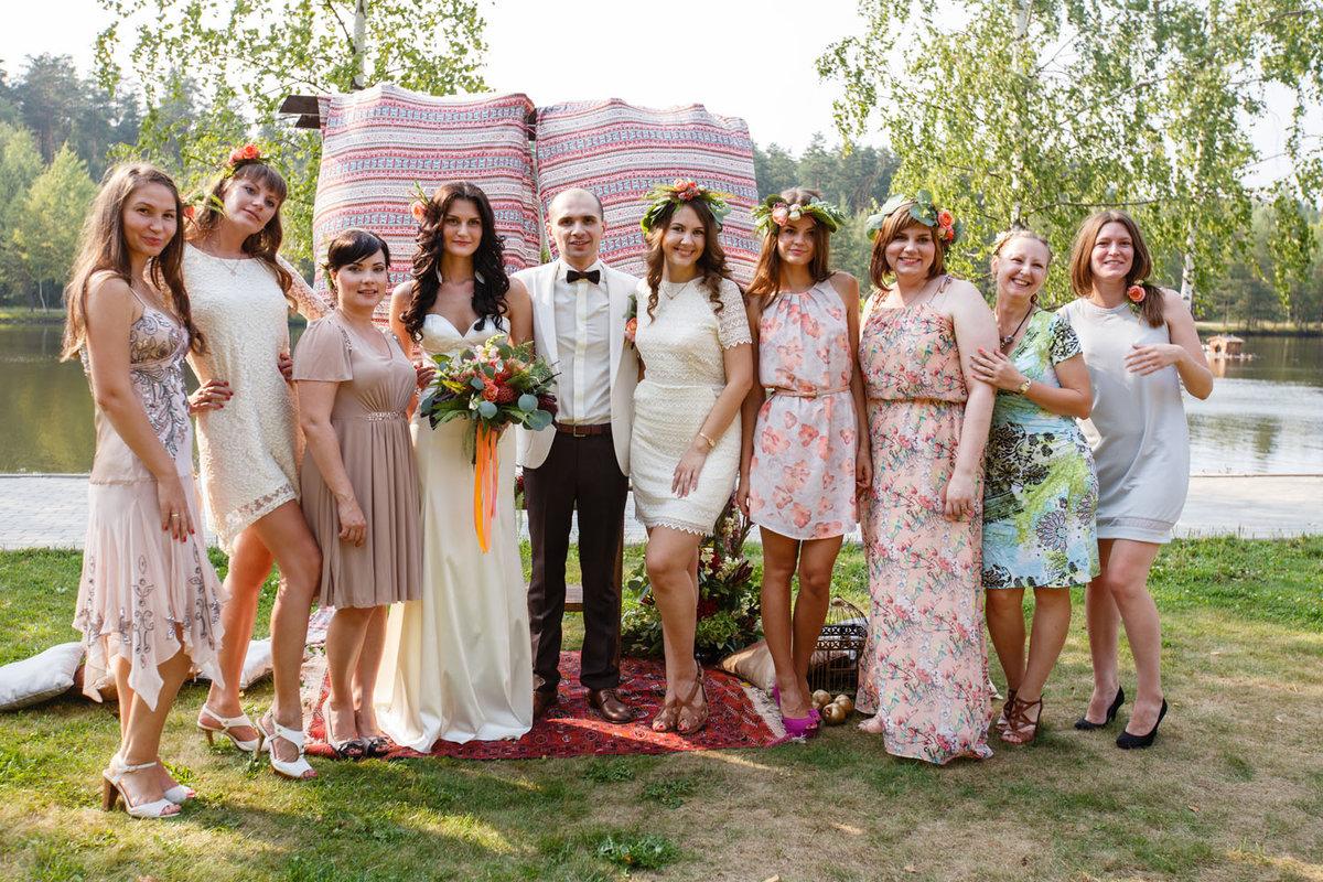 удобные уголки одежда на свадьбу для гостей фото объяснить могу, откуда