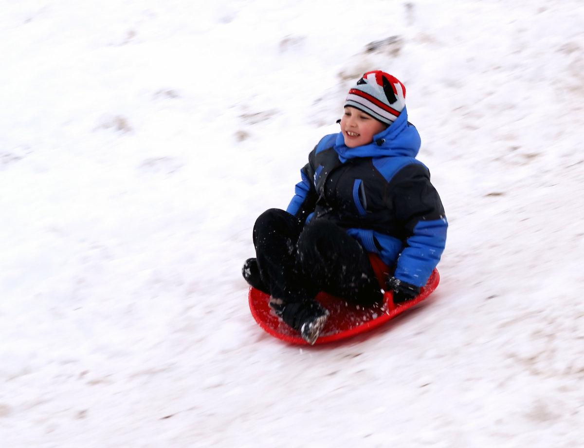 приспособление для спуска с гор зимой санки