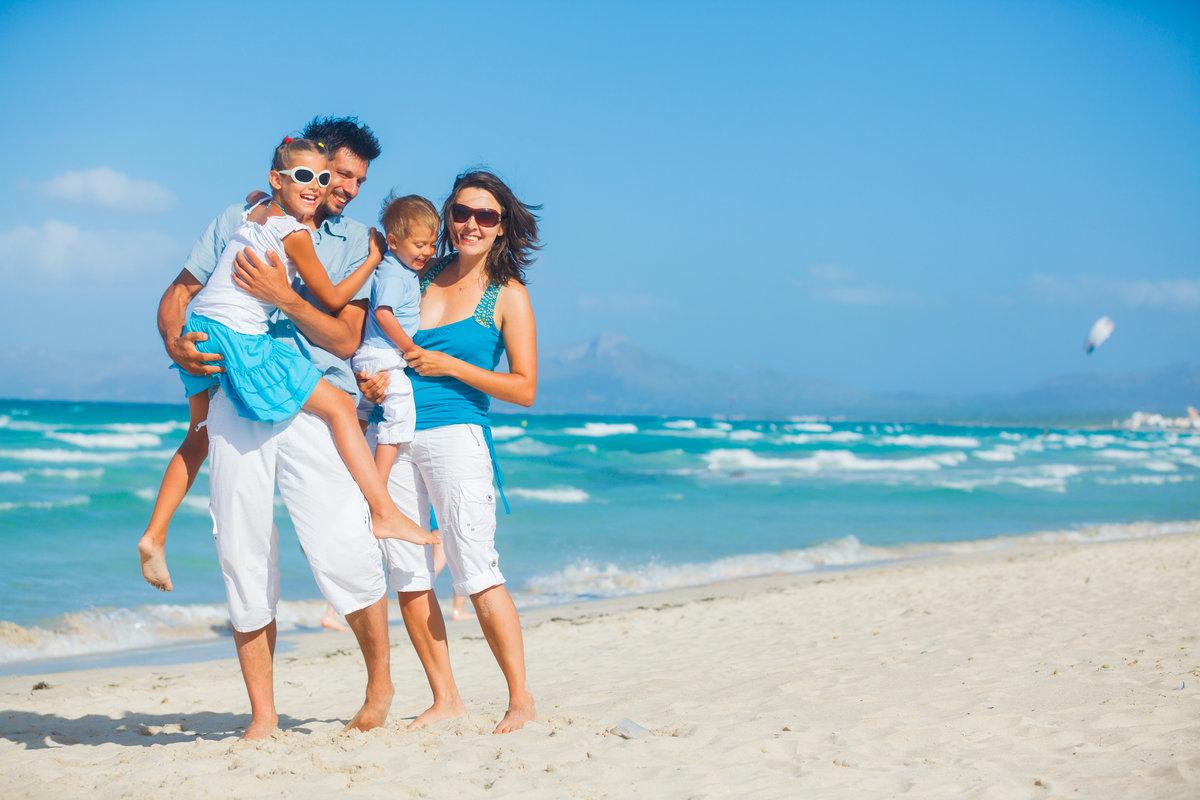 фото семья на пляже