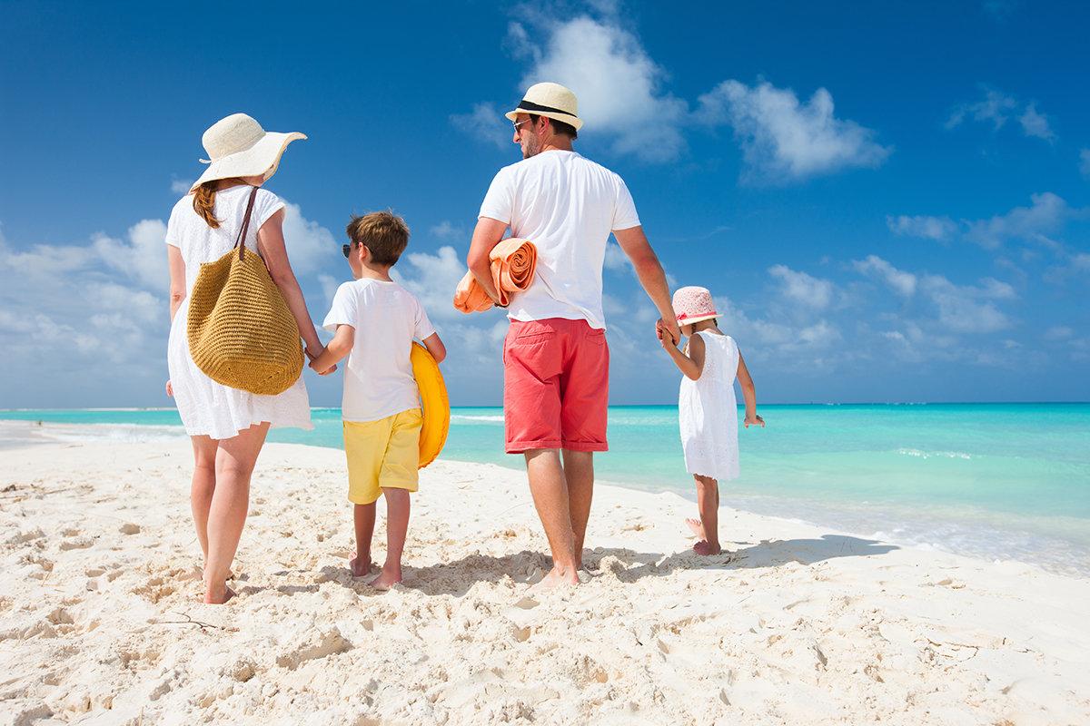 Картинка о путешествиях с детьми