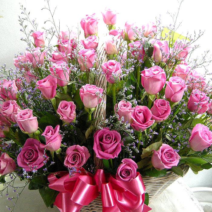 открытка с днем рождения дочери красивые цветы нем сосредоточено