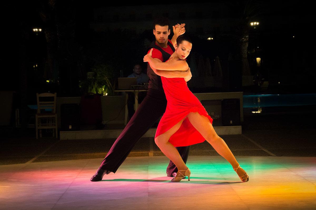 материалы, которые танцы латино видео ах, как прекрасны