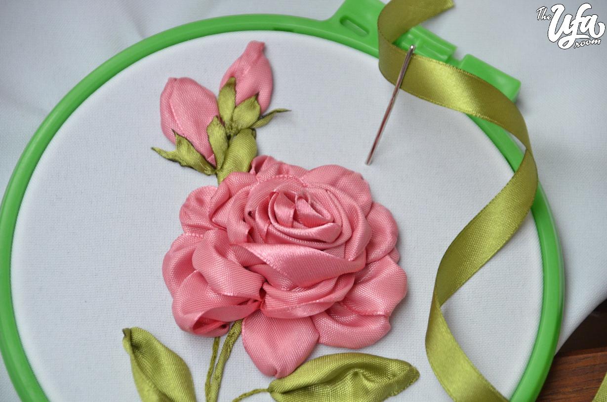 «Мастер-класс  делаем цветы из старых лент Художественный МУз» — карточка  пользователя tsmil.l.v в Яндекс.Коллекциях 9f4e76a760797