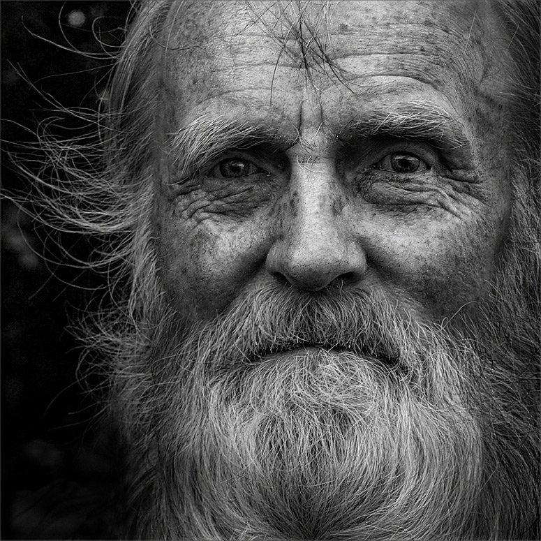 картинка старик с бородой стреляйте кабану штык